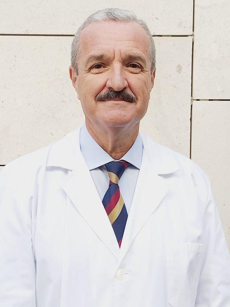 Dr. Enrique Glückmann Maldonado cirujano especialista en operaciones de reducción de estómago en el tratamiento del sobrepeso