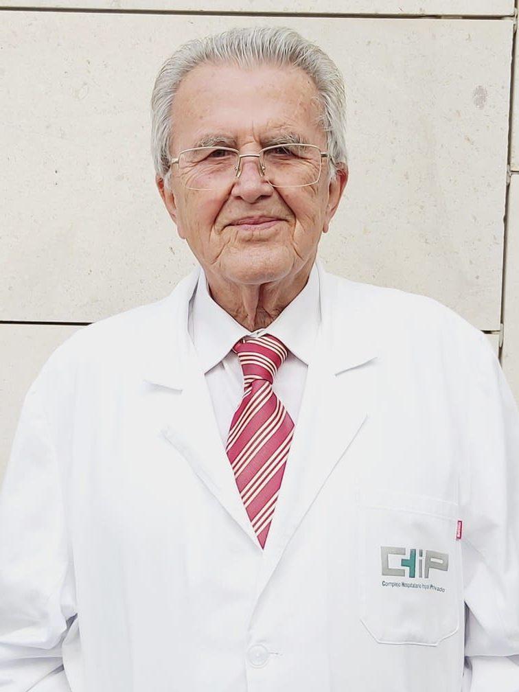 Dr. Francisco Linares anestesiólogo experto en anestesia en operaciones de reducción de estómago en el tratamiento del sobrepeso